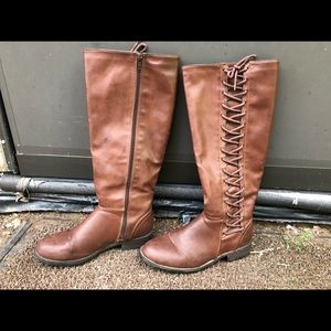 Size 8 women's lace up boots